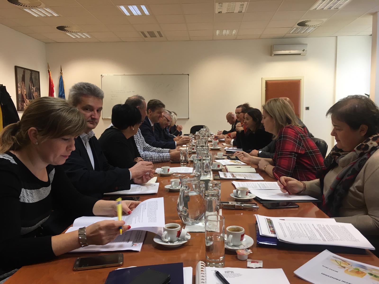 Odbor za mljekarstvo HPK održao sastanak s ministricom Marijom Vučković